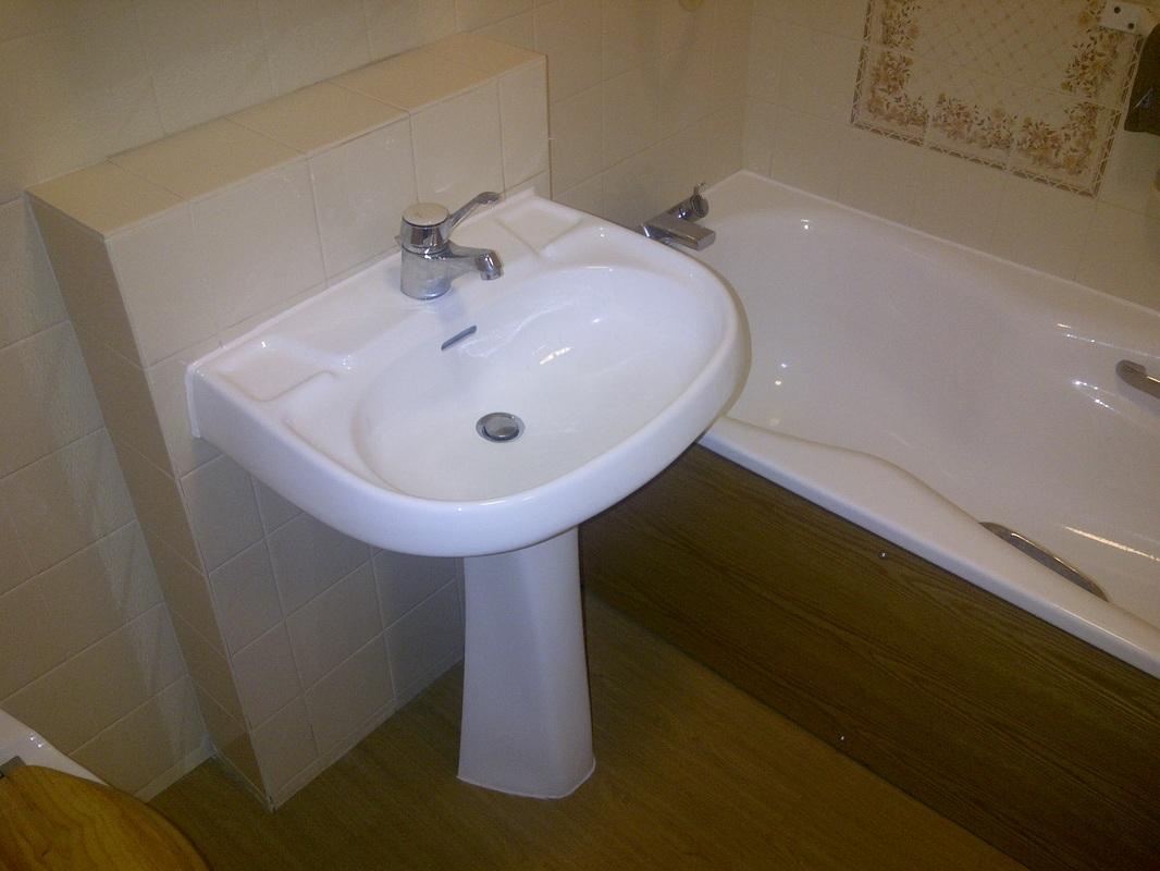 Thames Valley Refinishing - Bath Repairs Hampshire and Surrey ...